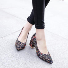 Load image into Gallery viewer, Women's Pointed Toe Chunkey Heel Pumps