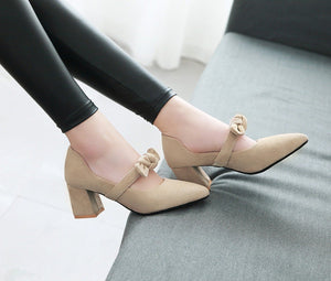Women's Pointed Toe Bow Chunkey Heel Pumps
