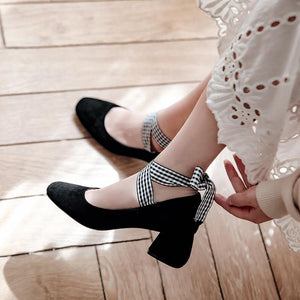 Lady Retro Square Head Shallow Cross Strap Woman Pumps Middle Heel Shoes