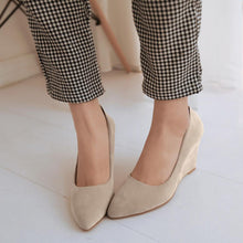 Load image into Gallery viewer, Casual Women's Shallow Toe Platform Wedges Shoes