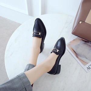Woman's Faux Leather Low Heels Shoes