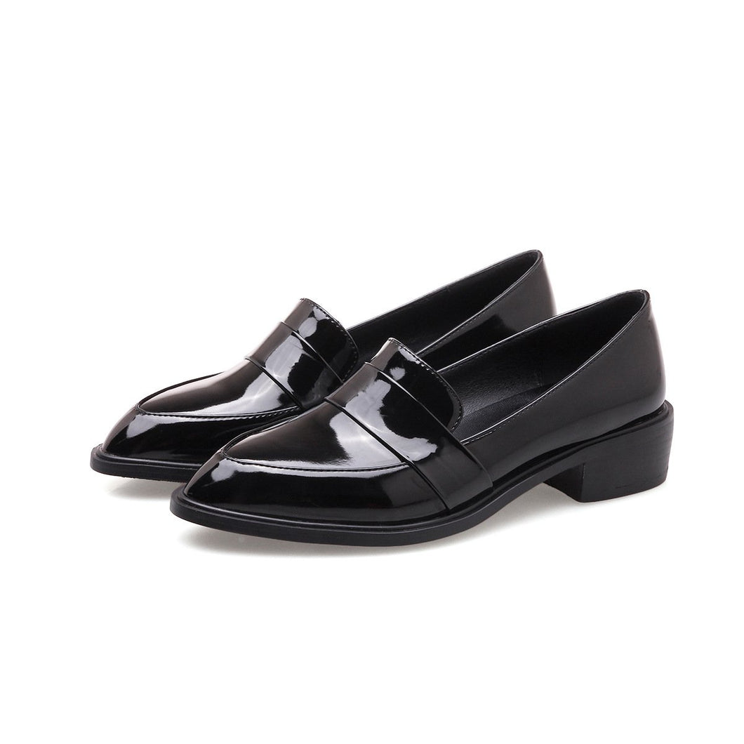 Woman's Patent Leather Shallow Mouth Low Heeled Shoes