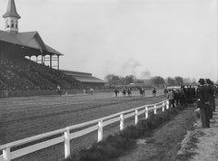 Kentucky Derby Race at Churchill Downs in 1907 / Universal History Archive / Getty Images