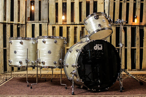 DW Collector's Maple Creme Oyster Drum Set - 24, 13, 16, 18, 7x14 - SO# 1112334