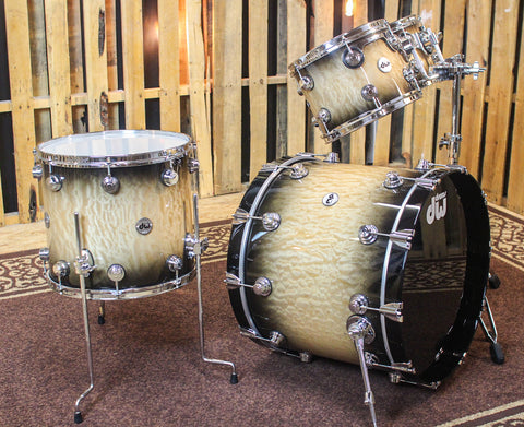 DW Collector's Candy Black Burst Over Quilted Maple Drum Set - SO#1160472