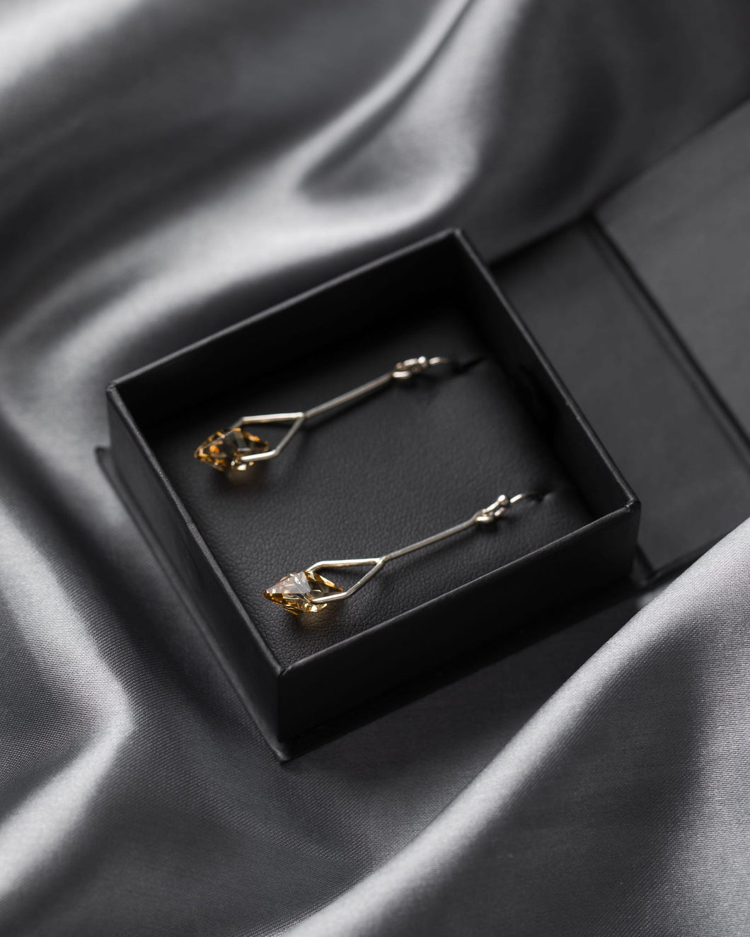 Jon Williamson Gold Simple Spike Earrings