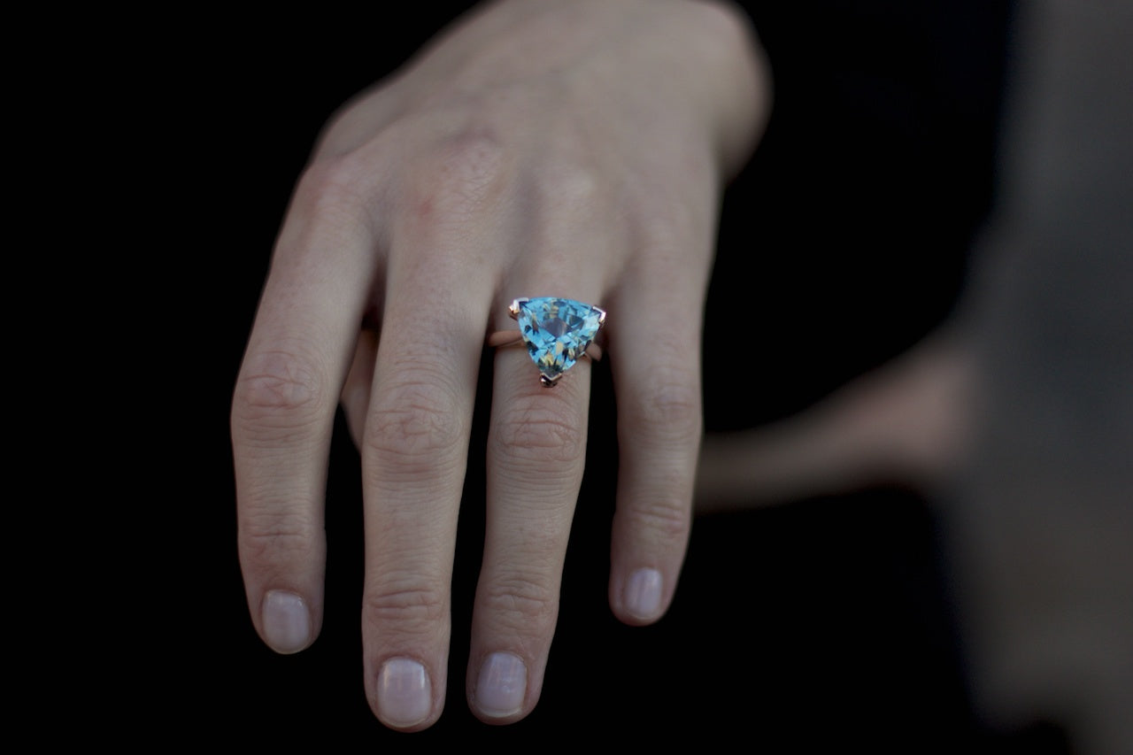 Patience_Jewellery_Bespoke_Blu-Grey_Topaz_Rose_Gold_Ring