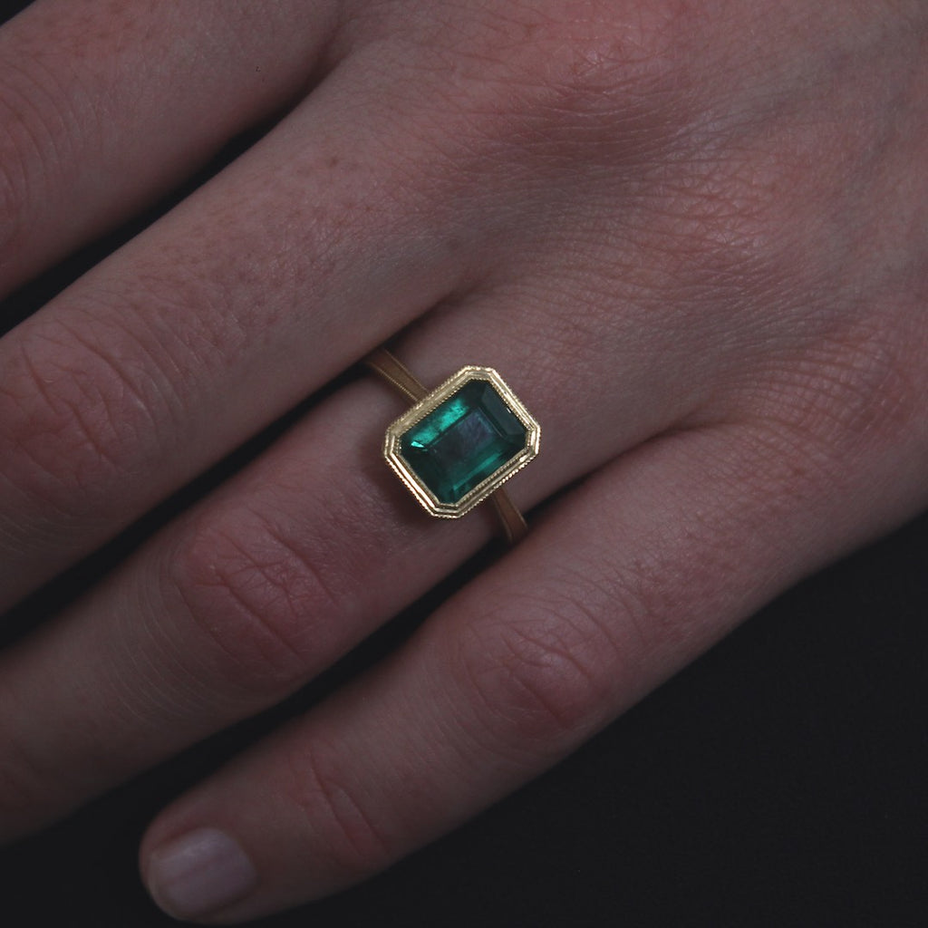 Stunning Columbian Emerald Ring