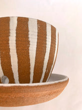 Load image into Gallery viewer, 19 striped planter with saucer