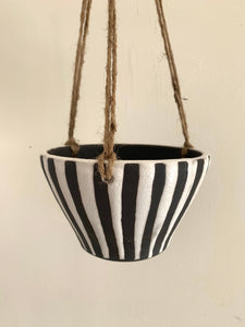 8 striped planter