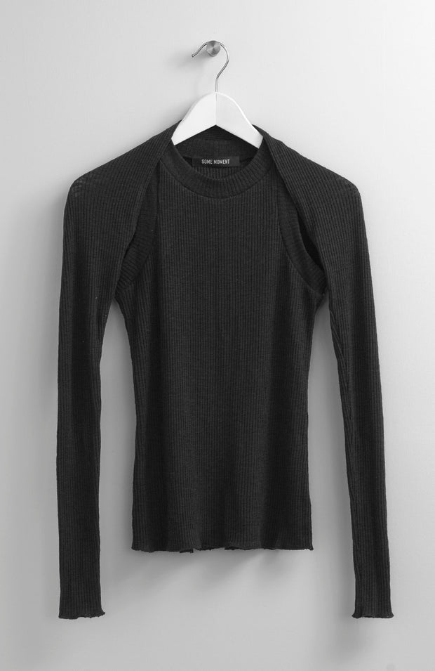 SEPARATE SLEEVES BLACK TOP
