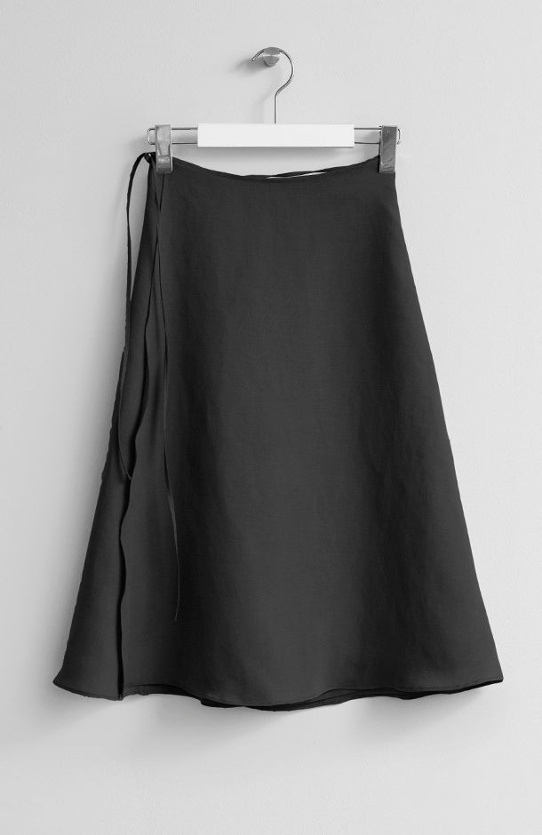 WRAP BLACK MIDI SKIRT