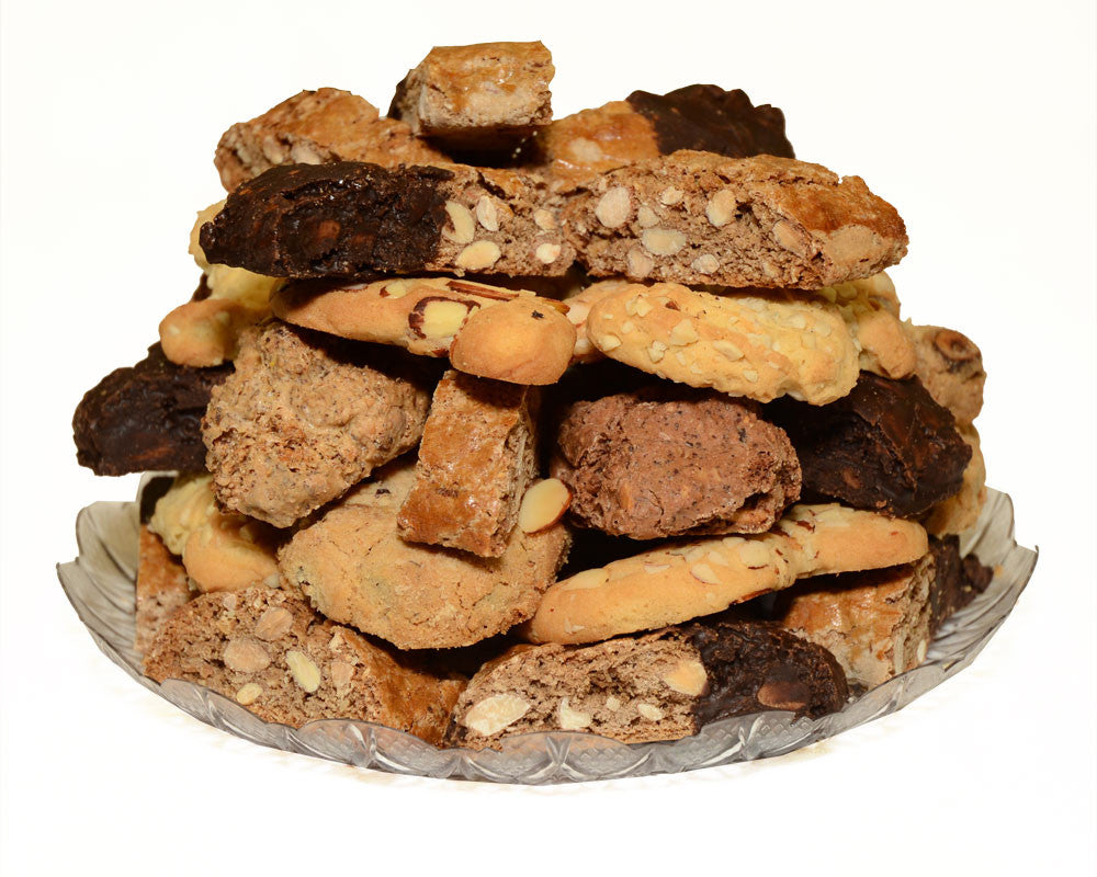 Assorted cookie with nuts