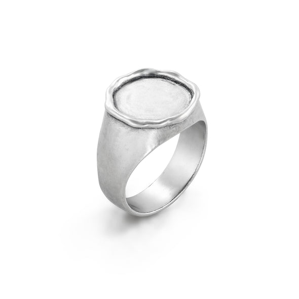 Sterling Silver Engravable Round Signet Ring - dannynewfeld