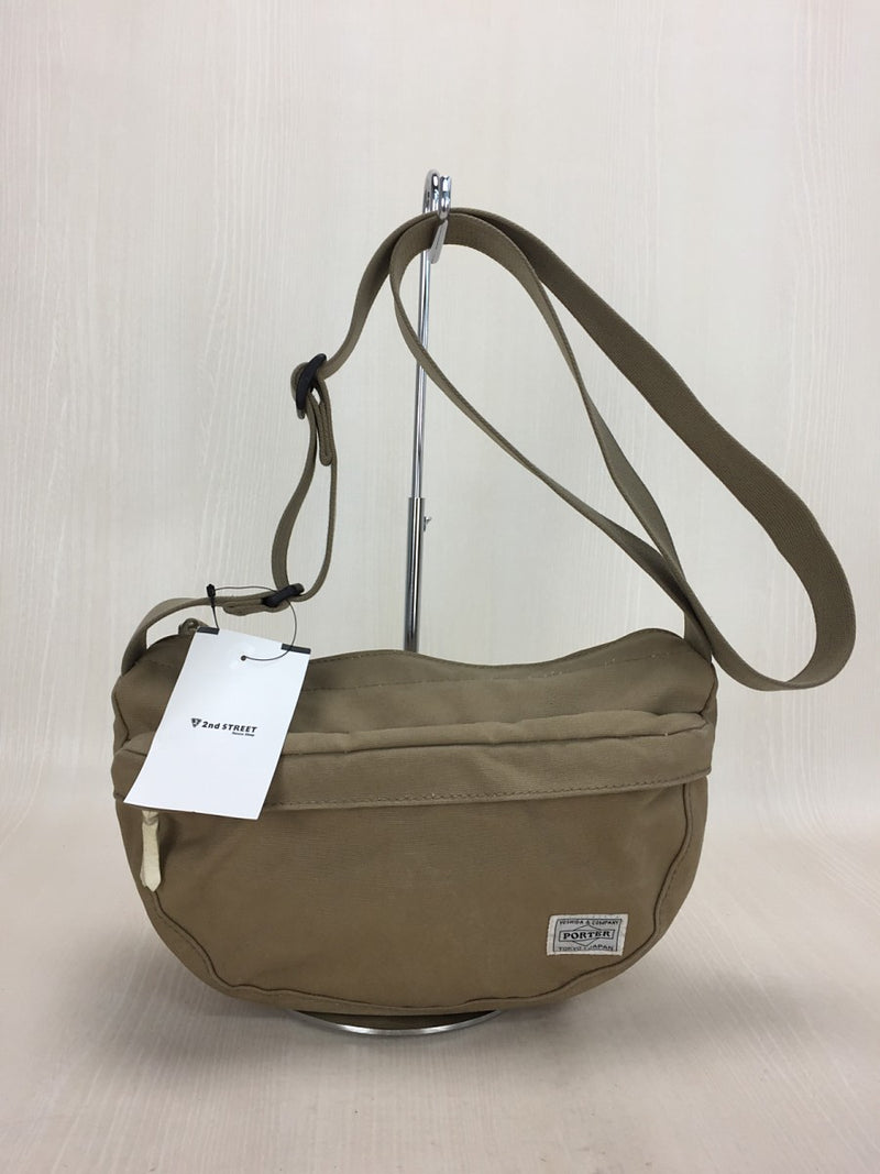 Beige Color Canvas Shoulder Bag [Pre-Owned]