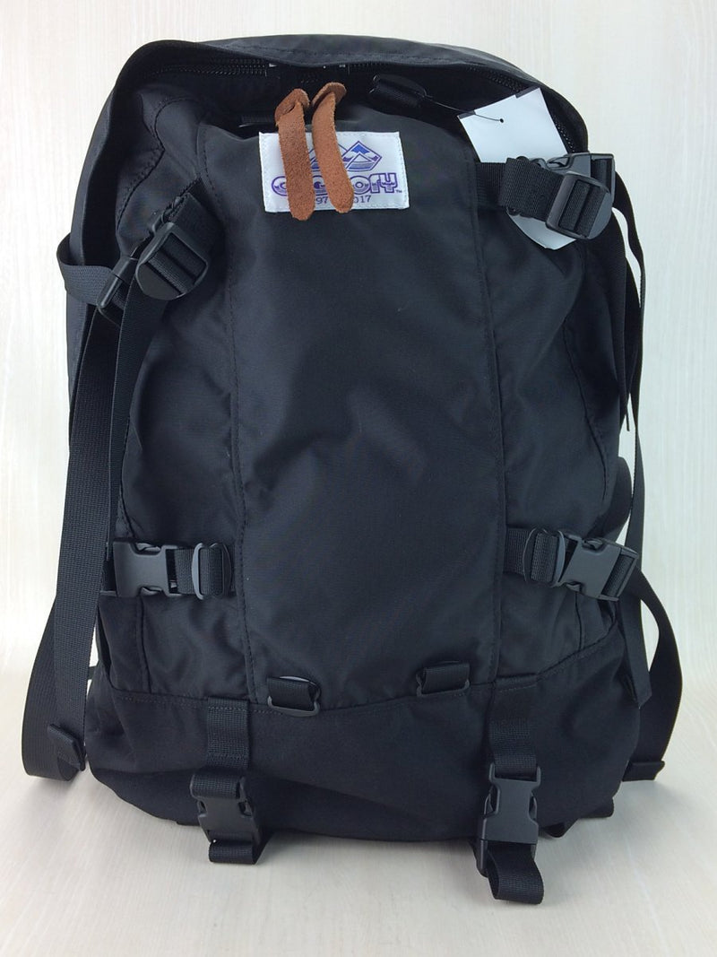 Black Color Nylon Backpack [pre-owned]