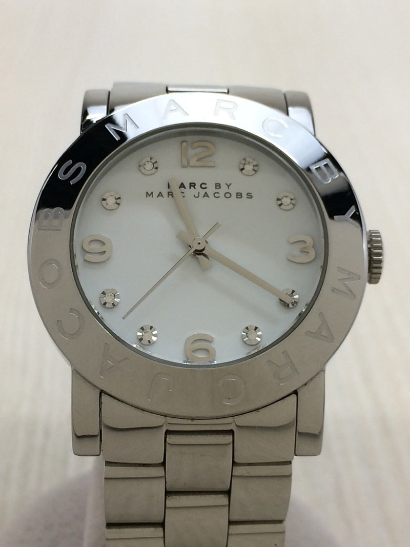 White Color MBM3054 Women's Analog Watch [Pre-Owned]
