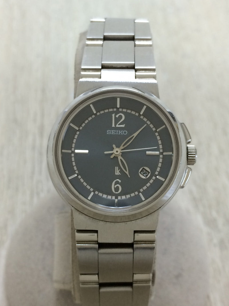 Navy Color Stainless Steel Women's Watch [Pre-Owned]