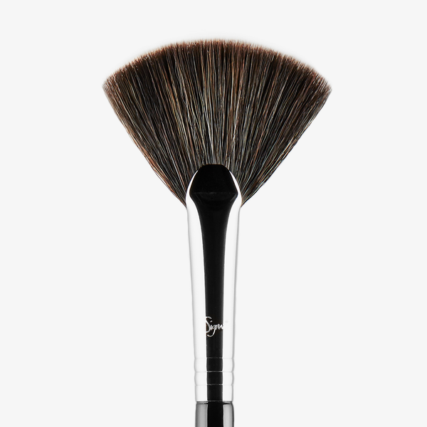 Sigma Beauty F42 Strobing Fan™ Brush