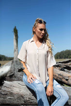Load image into Gallery viewer, Martina beige Shirt