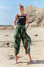 Load image into Gallery viewer, Marian leaf print Pants