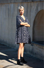 Load image into Gallery viewer, Mariana Printed Smock Dress