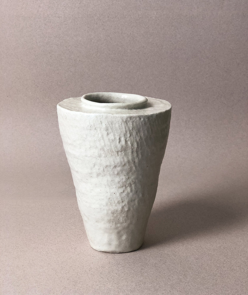 Load image into Gallery viewer, Medium White Vase