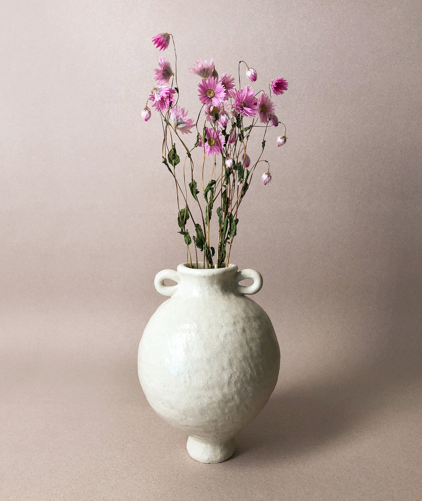 Load image into Gallery viewer, White Round Vase