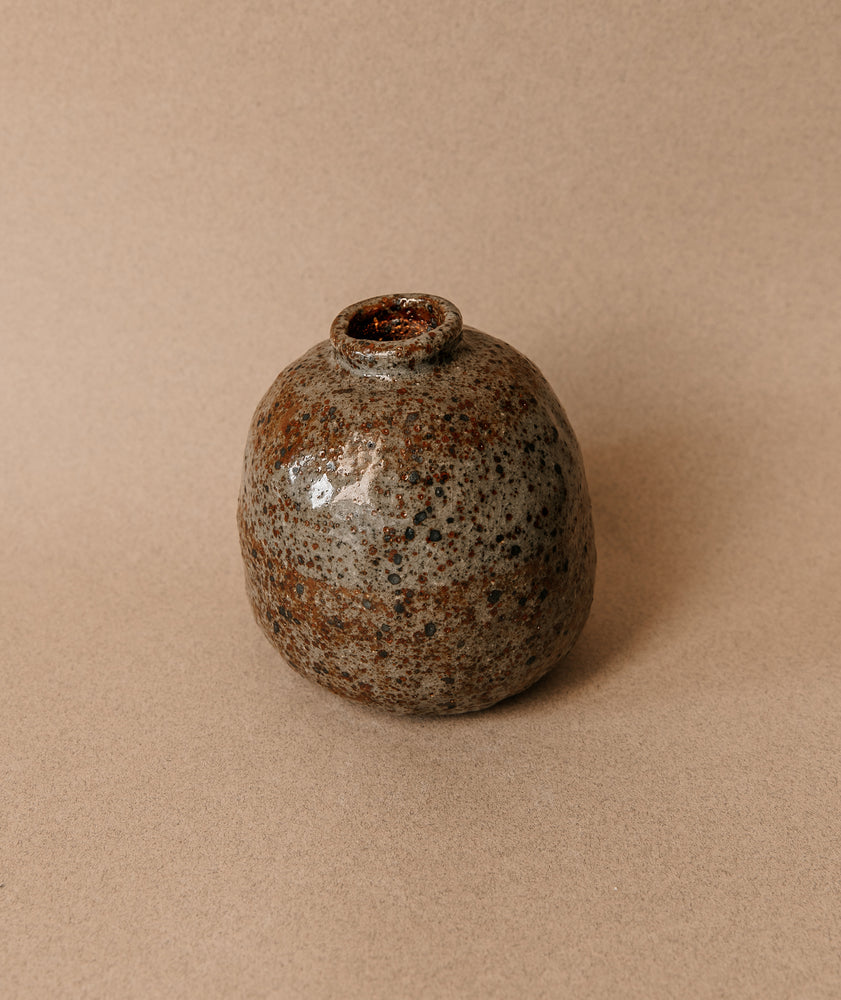 Load image into Gallery viewer, Small Speckle Vase 4
