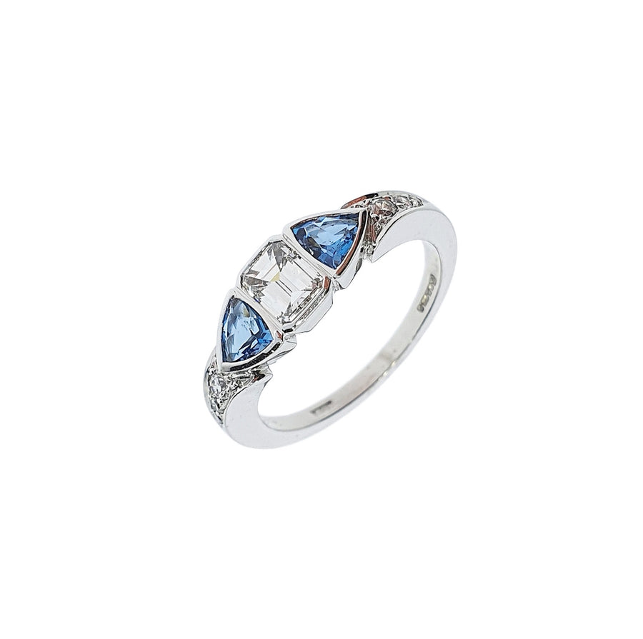 Contemporary Aquamarine & Diamond Ring