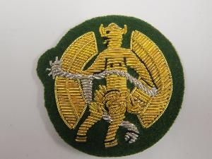 INNS OF COURT & CITY YEOMANRY ARM BADGE ON GREEN CLOTH (4334326808648)