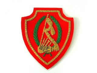 LIBYA BAND PIPE ARM BADGE IN GOLD (4334422491208)