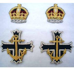 Royal Naval Chaplain�s Scarf Badge with King's Crown (4344137744456)