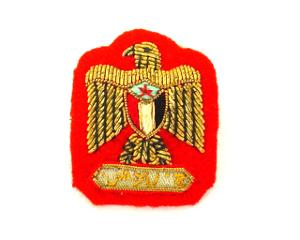 YEMEN ARMY RANK EAGLE ON RED (4334434680904)