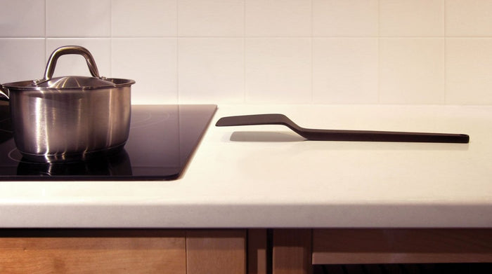 Cantilever no-mess cooking utensils