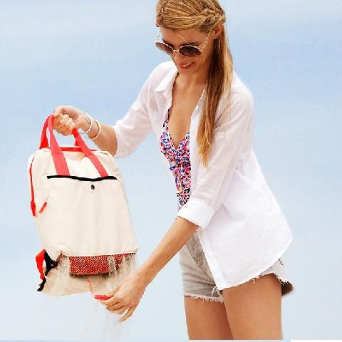 Quirky Shake Sand Removing Beach BackPack