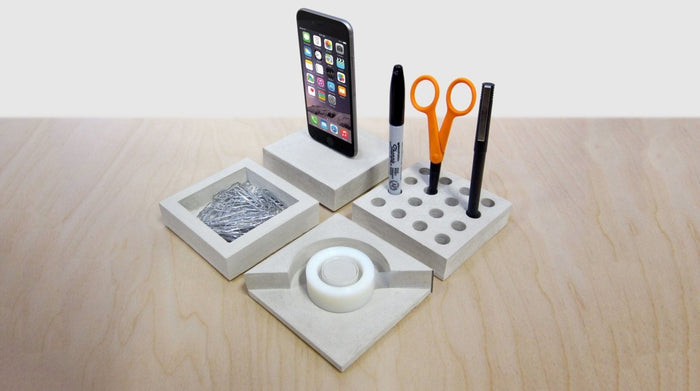 Slabs modular, low-lying desk accessories