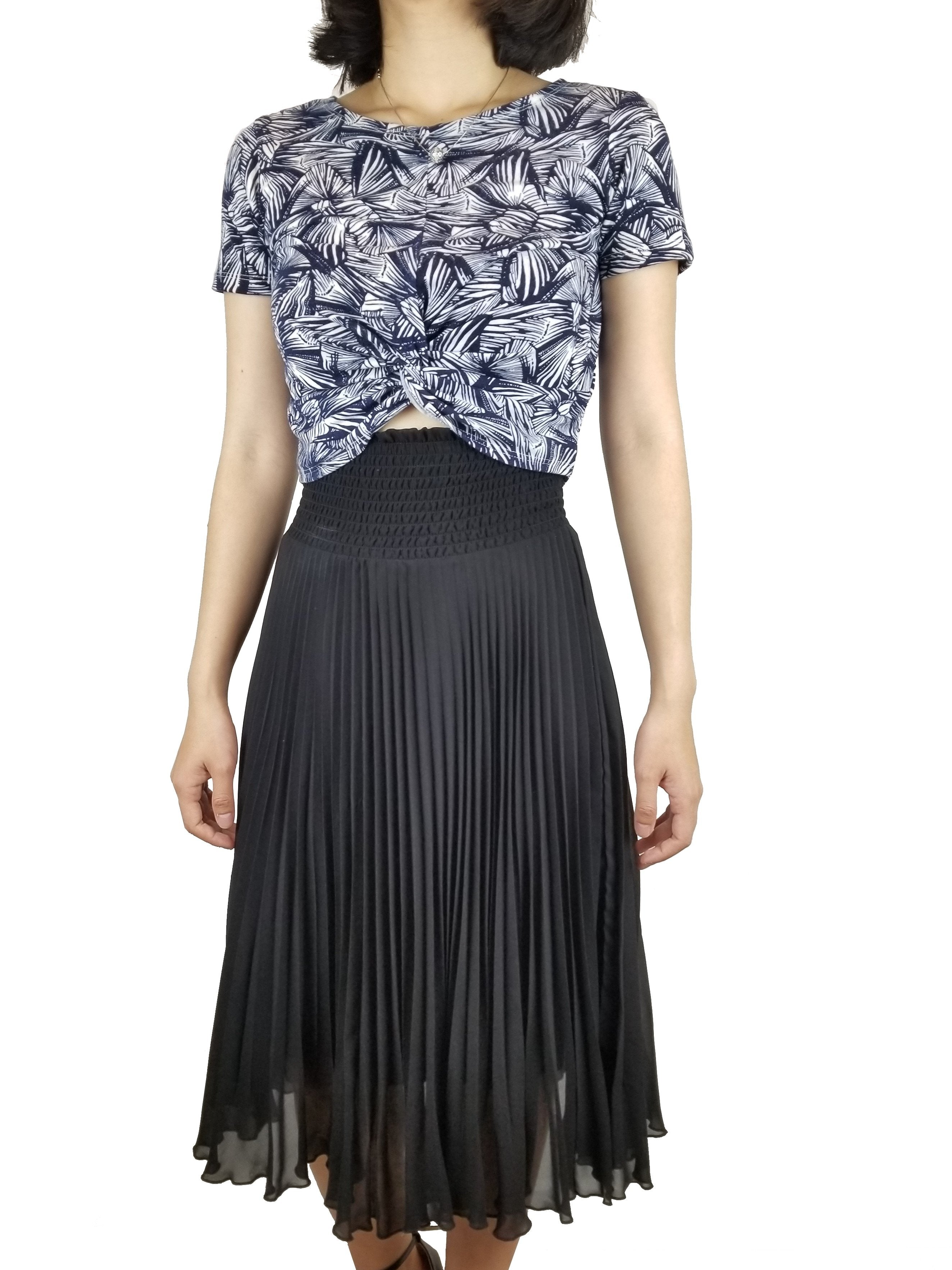Wilfred Black Pleated Skirt, A line pleated skirt. High rise. Very soft material, Black, 100% Polyester, women's Skirts & Shorts, women's Black Skirts & Shorts, Wilfred women's Skirts & Shorts, skirt, women's pricess silhouette skirt, A-line skirt, pleated skirt