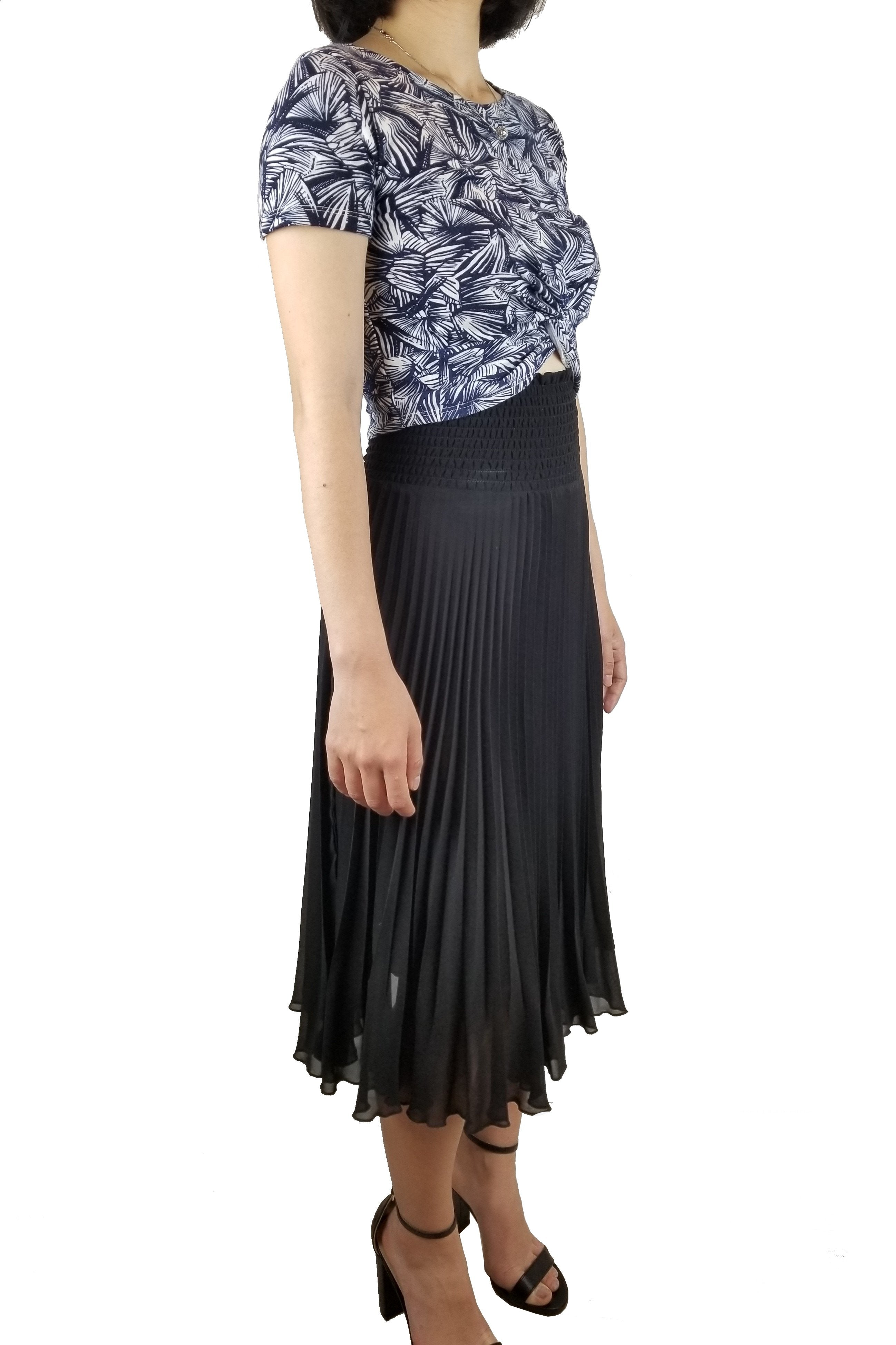 Wilfred Black Pleated Skirt, A line pleated skirt. High rise. Very soft material, Black, 100% Polyester, skirt, women's skirt, A-line skirt, pleated skirt