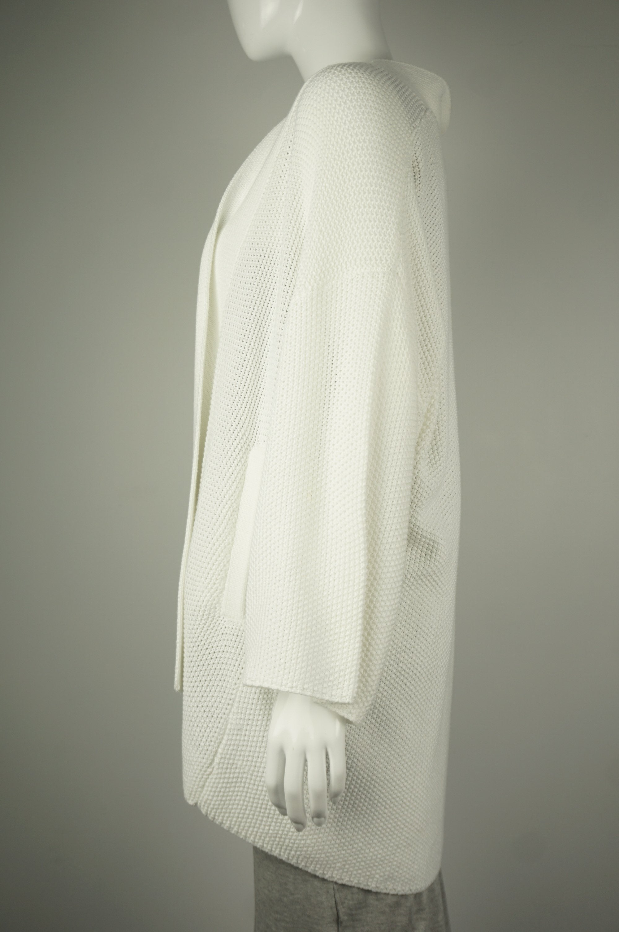 Oak + Fort White Cardigan, Simple and elegant white cardigan for the chilly office., White, 100% polyester,