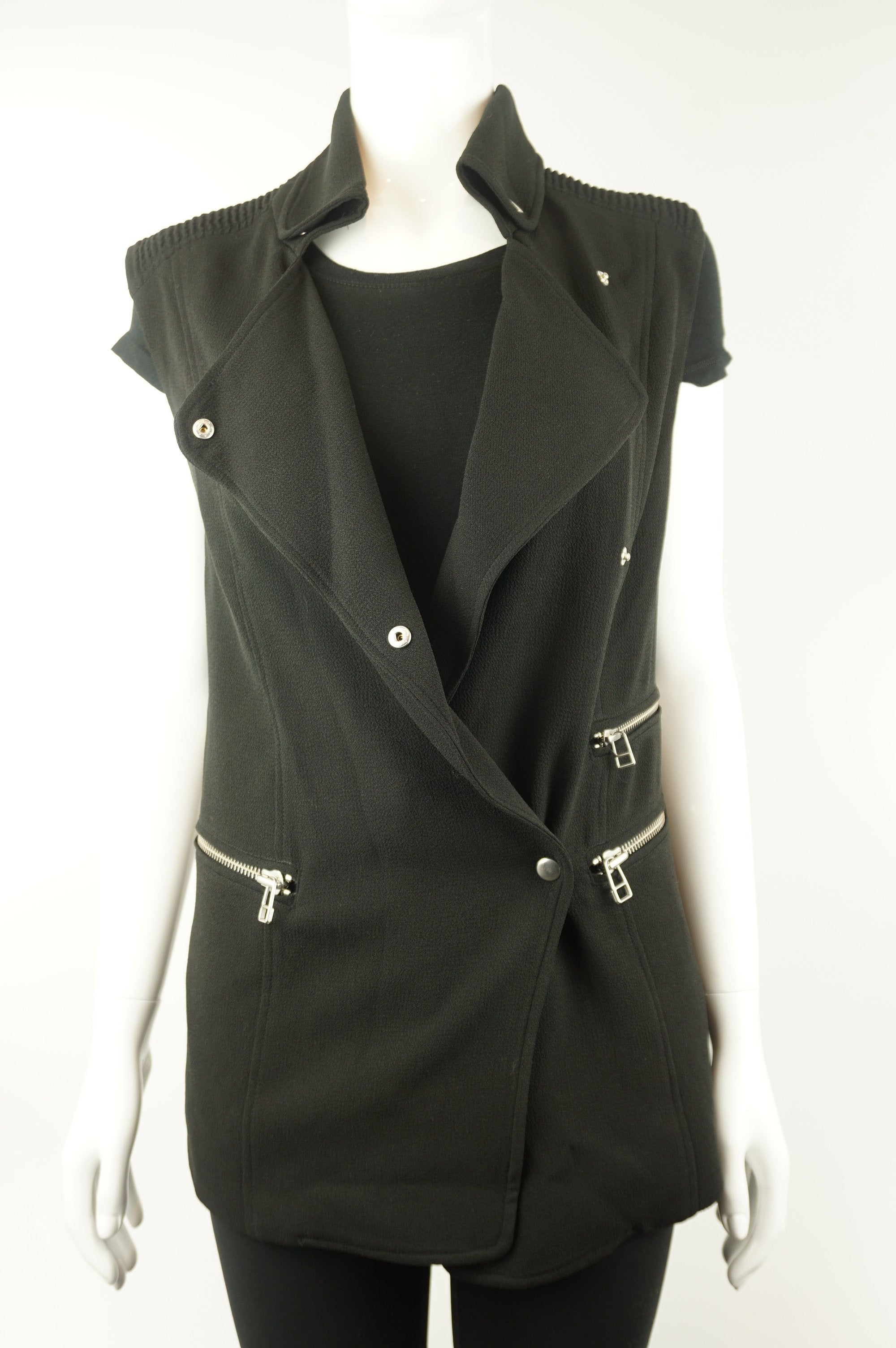 Wilfred Black Vest, Simple cute vest., Black, 68% acetate, 32% polyester, women's Jackets & Coats, women's Black Jackets & Coats, Wilfred women's Jackets & Coats, women's black vest, wilfred black vest, wilfred women's sleeveless vest jacket, wilfred women's sleeveless duster blazer vest jacket