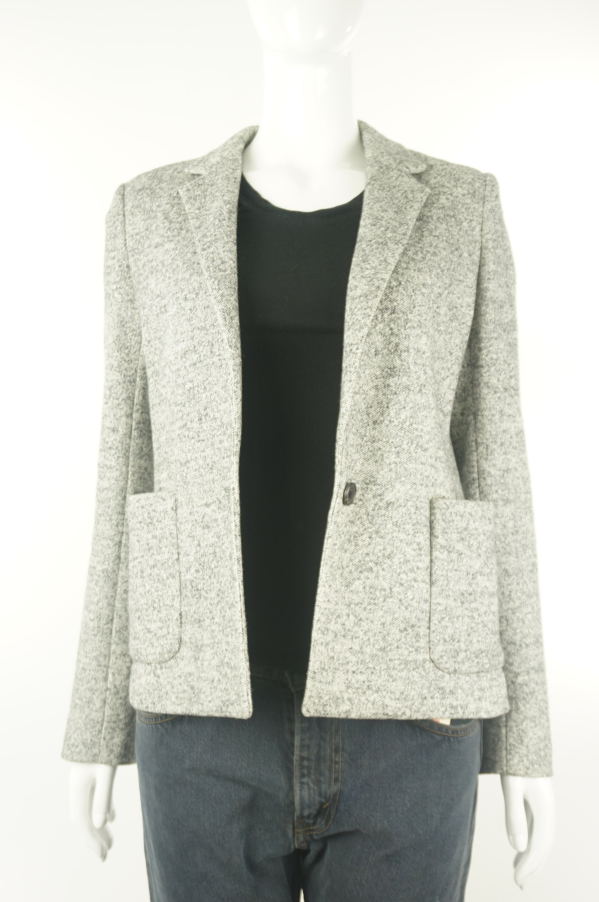 Wilfred Wool Blazer, Blazer for the office or wherever you want to impress:), Grey, 55% cotton, 45% wool., women's Jackets & Coats, women's Grey Jackets & Coats, Wilfred women's Jackets & Coats, Wilfred women's blazer, women's wool blazer, women's professional jacket, women's business blazer, women's business one-buttoned suit jacket, women's business one-buttoned vest jacket