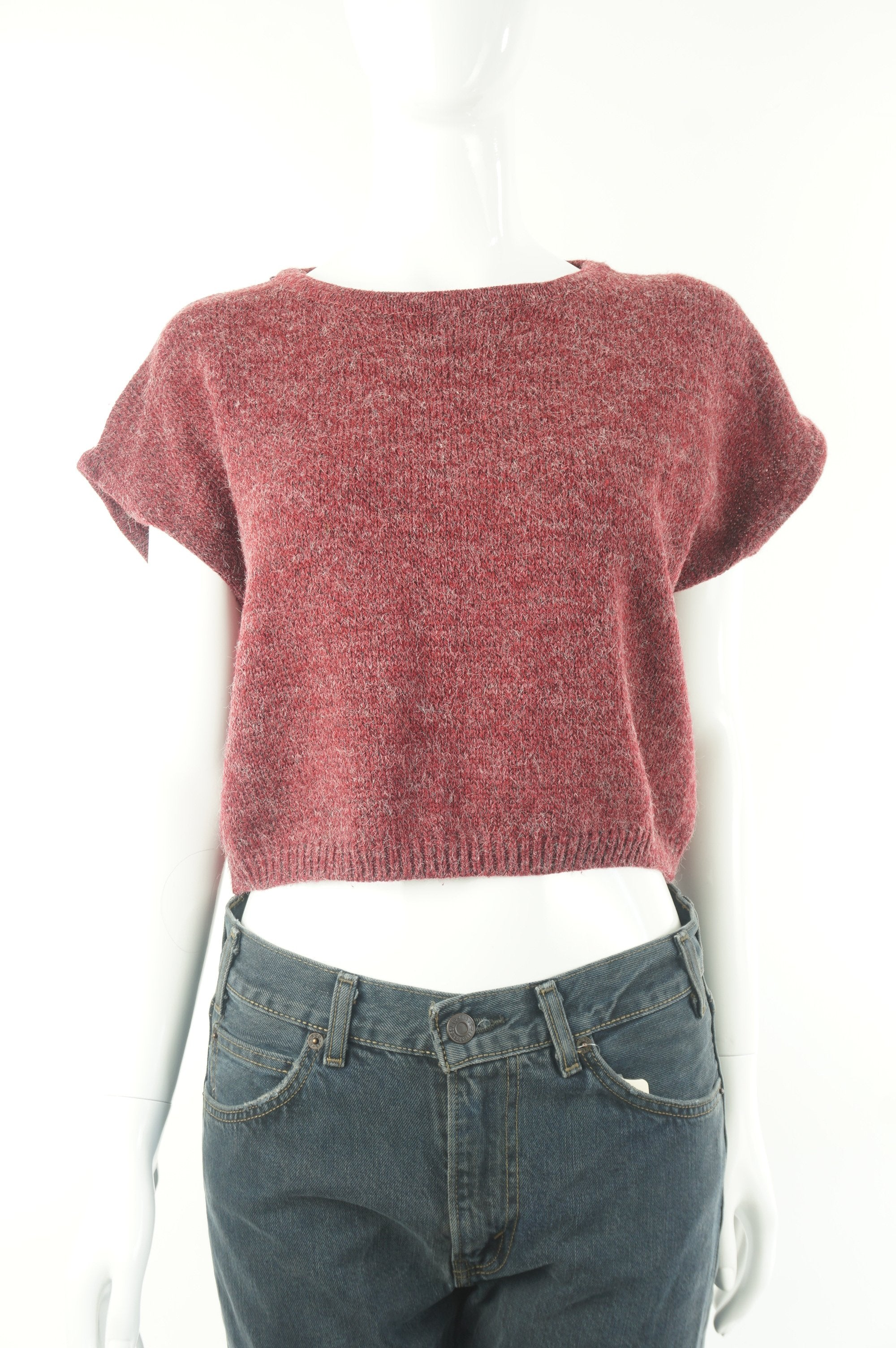 Editor Capped Sleeve Crop Top Sweater, Stylish crop-top sweater for the spring., Red, , women's Tops, women's Red Tops, Editor women's Tops, aritzia women's crop top sweater, aritzia women's crop top sweater, aritzia women's short sweater, women's red short sleeve crop top