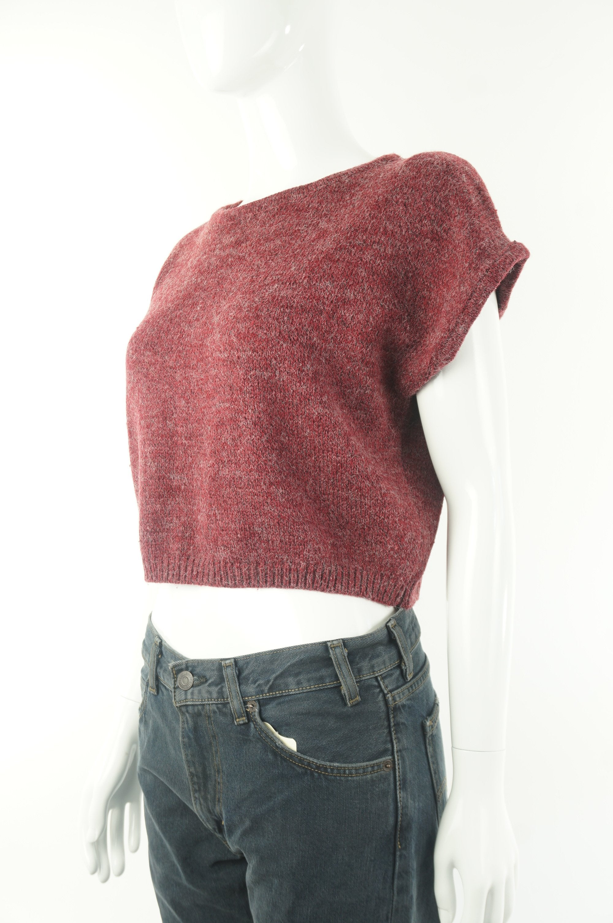 Editor Capped Sleeve Crop Top Sweater, Stylish crop-top sweater for the spring., Red, , women's Tops, women's Red Tops, Editor women's Tops, aritzia women's sweater, aritzia women's crop top sweater, aritzia women's short sweater, women's red crop top sweater