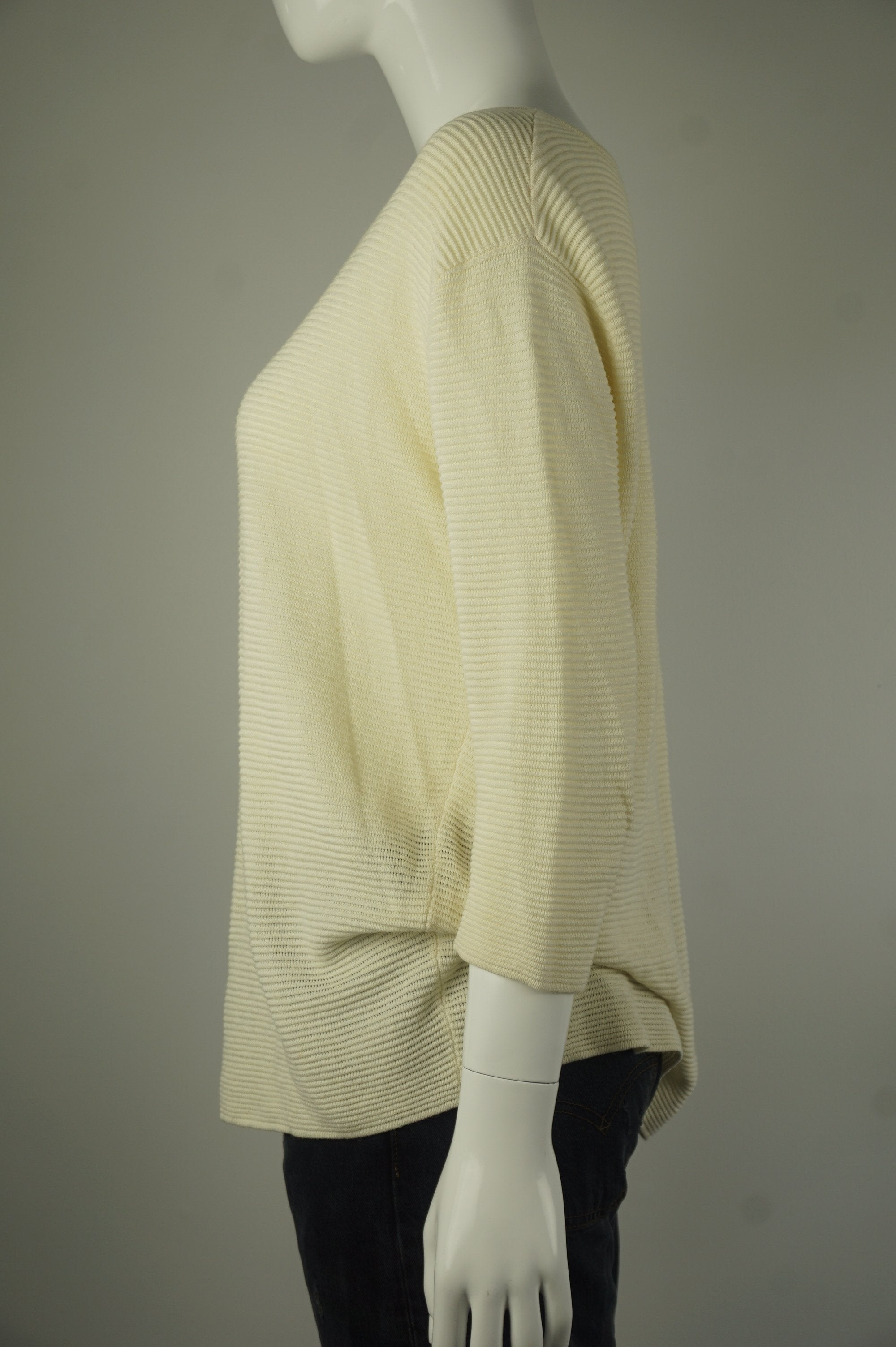 Wilfred Pullover Beige Sweater, Relazed fitting with dropped shoulders. Drapey fabric., Yellow, 68% viscose, 20% linen, 12% nylon, women's Tops, women's Yellow Tops, Wilfred women's Tops, wilfred loose sweater, arizia women's loose sweater, women's sweater, arizia women's pullover sweater