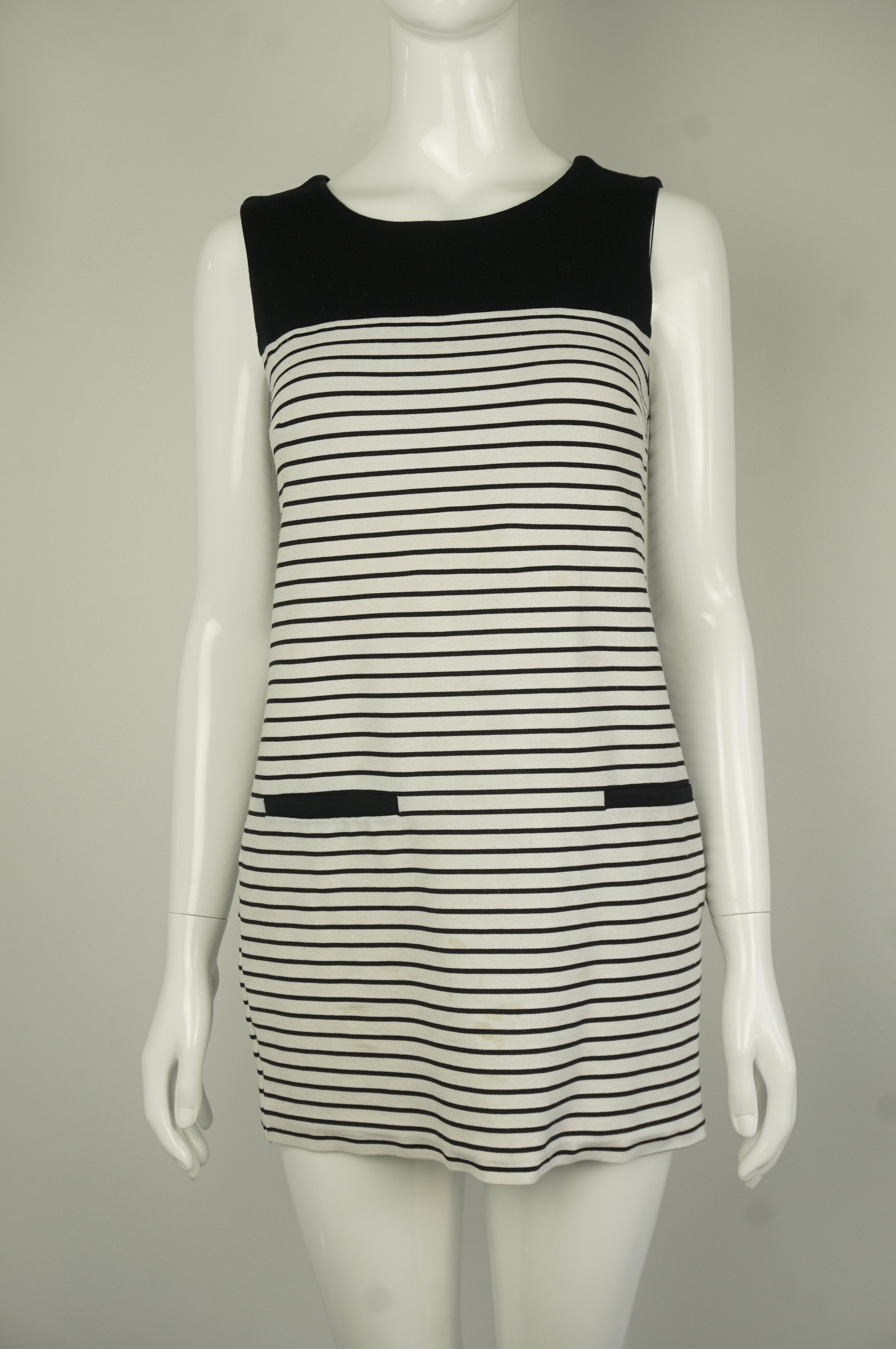 Love 21 Mini Straight Dress with Solid Black Top and Striped B&W bottom, Cute and comfy, this unique Black and White Striped Mini-Dress with Long Zipper in the back is perfect for outing  events and casual hangouts.  , Black, White, Cotton Fabric, women's Dresses & Rompers, women's Black, White Dresses & Rompers, Love 21 women's Dresses & Rompers, Simple Casual Black and White Women's Dress, Straight Cut Comfy Women's Dress, Women's Baseball Dress