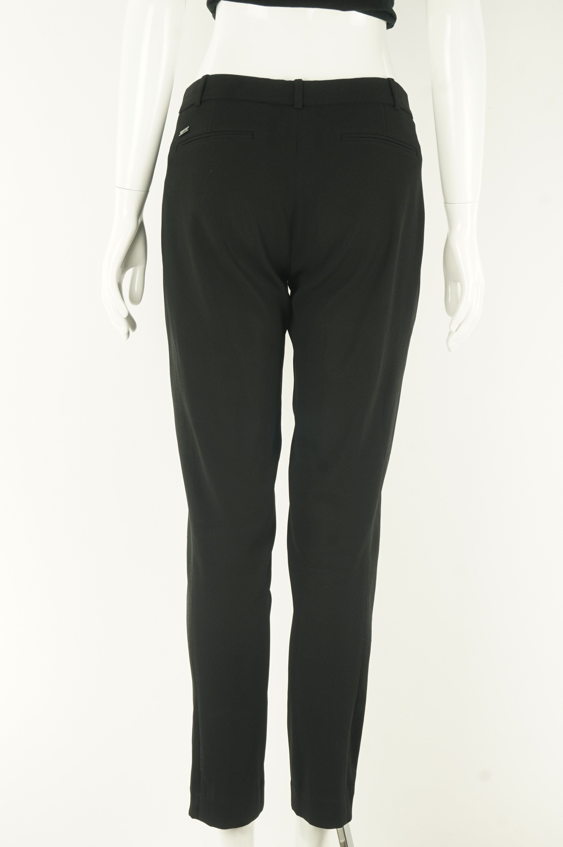 Wilfred Dress Pants with Stretchy Sides, A pair of dress pants that allow you to move freely and sit comfortably? Look no further!, Black, 82% triacetate, 18% polyester, women's Pants & Shorts, women's Black Pants & Shorts, Wilfred women's Pants & Shorts, Aritzia women's dress pants, women's comfortable office pants