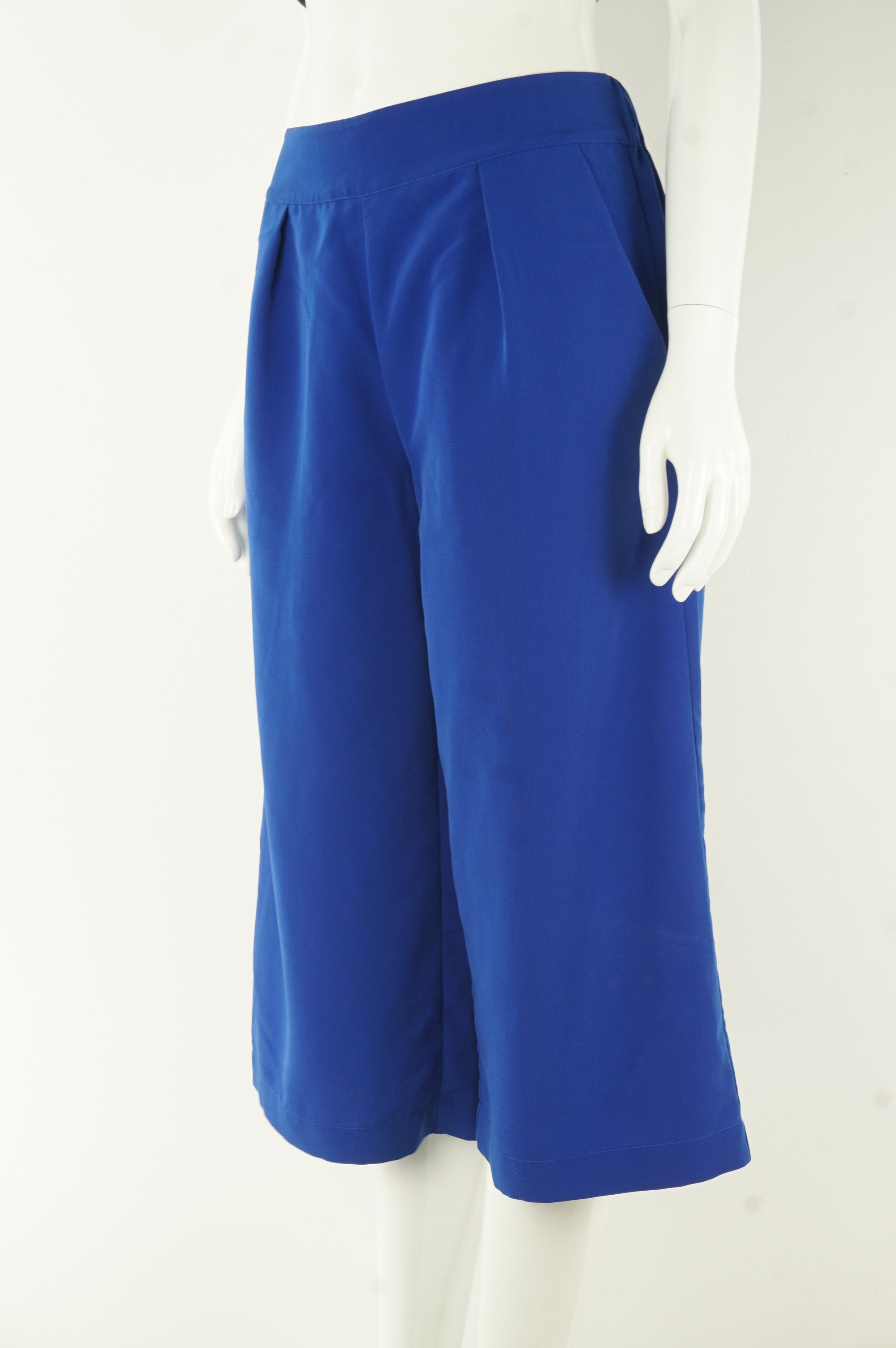 H Halston Cropped Wide Legged Pants, Casual or formal, you call. Comfort is guaranteed!, Blue, 100% polyester, women's Pants, women's Blue Pants, H Halston women's Pants, women's cropped wide-legged capri pants, women's comfortable loose capri pants