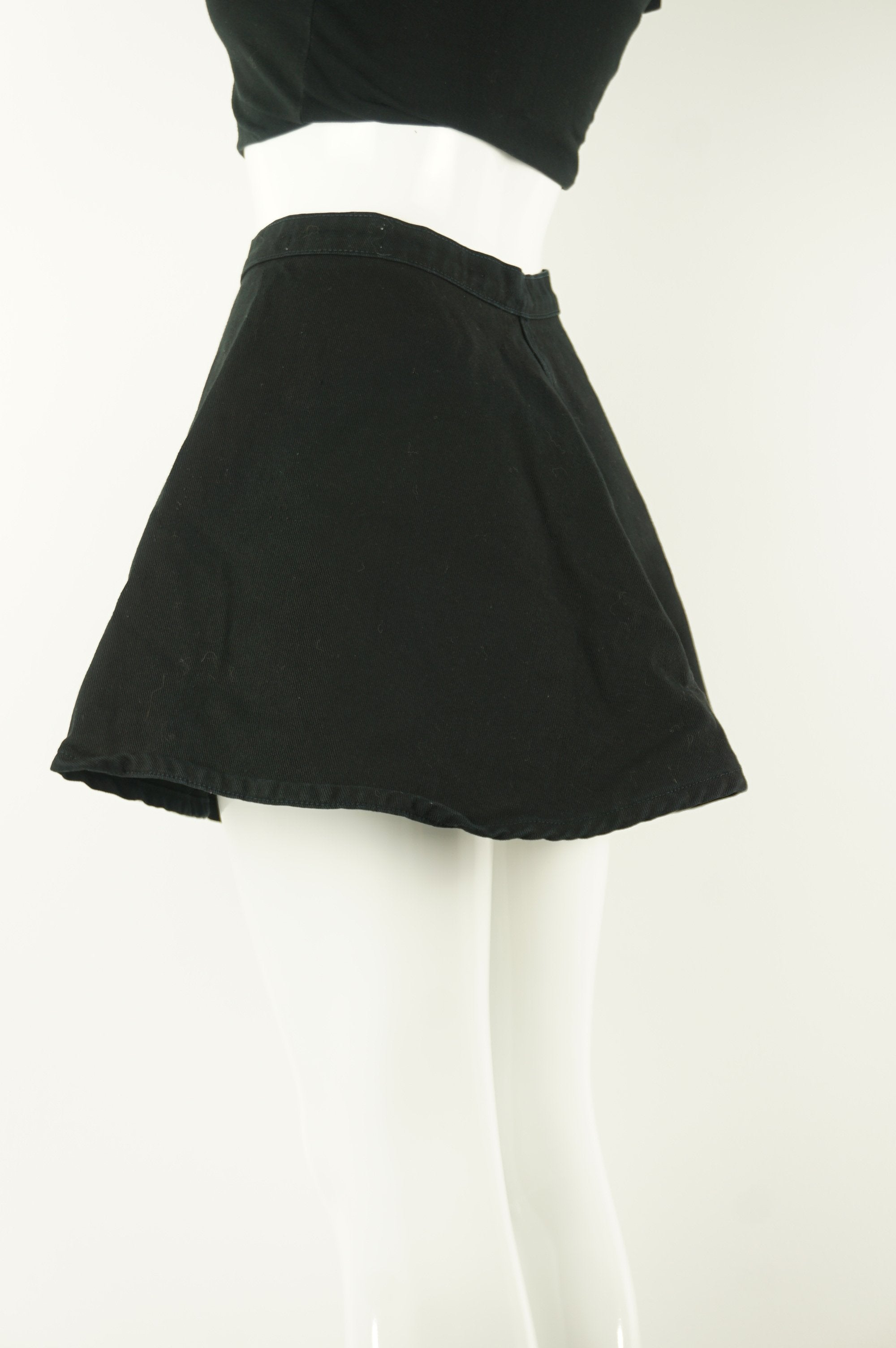 American Apparel  Denim Mini Skirt, The Classic denim skirt with button and zipper in the front. Fits small., Black, 100% Cotton, women's Dresses & Skirts, women's Black Dresses & Skirts, American Apparel  women's Dresses & Skirts, women's denim skirt, women's wide skirt