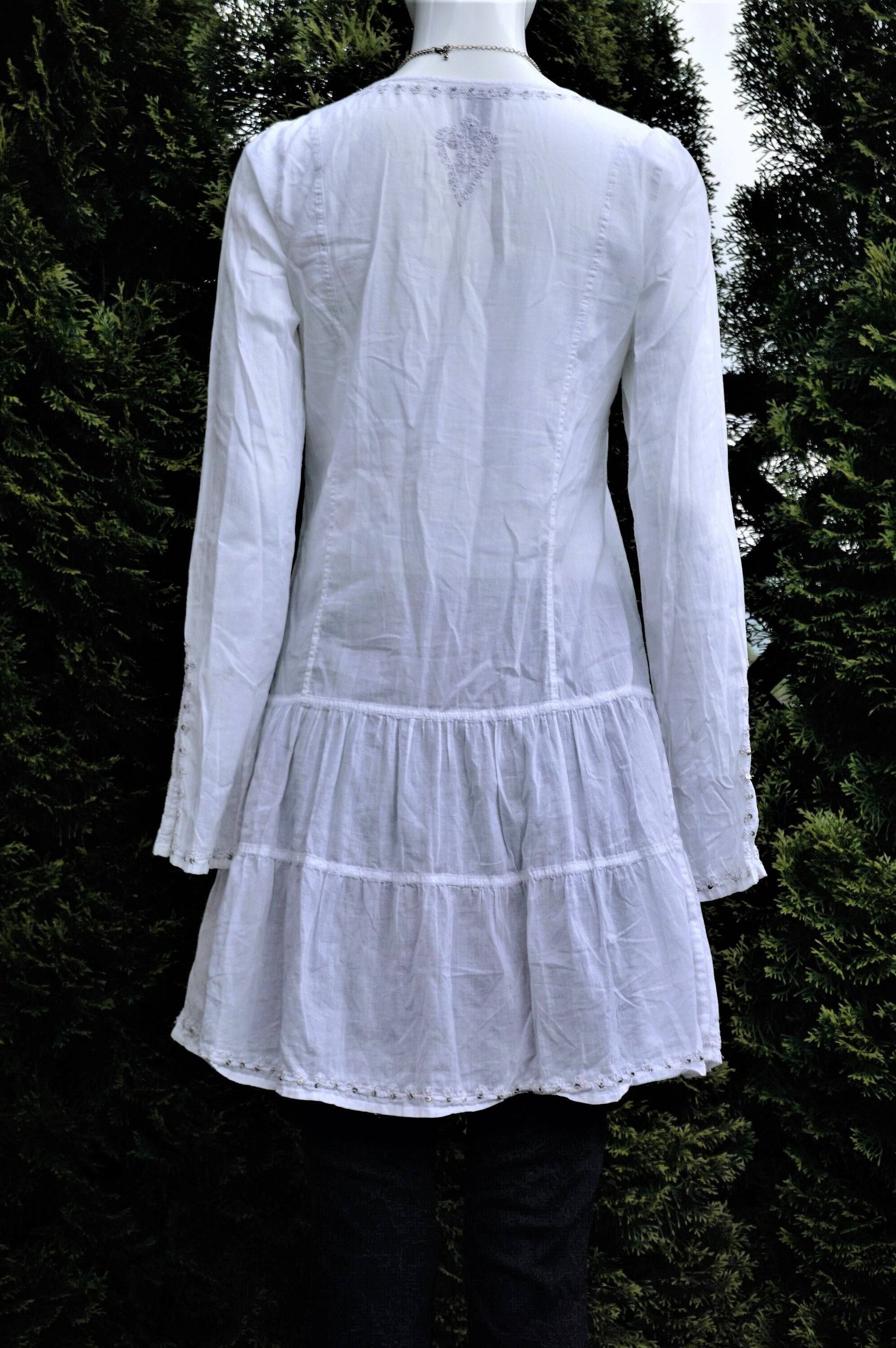 Lucky Brand Embroidered White Shift Dress, Simple at first glance, beautiful Embroidered details when you look closer. Light shift dress perfect for the summer., White, 100% Cotton, women's Dresses & Rompers, women's White Dresses & Rompers, Lucky Brand women's Dresses & Rompers, shift dress, white long sleeve dress, summer dress